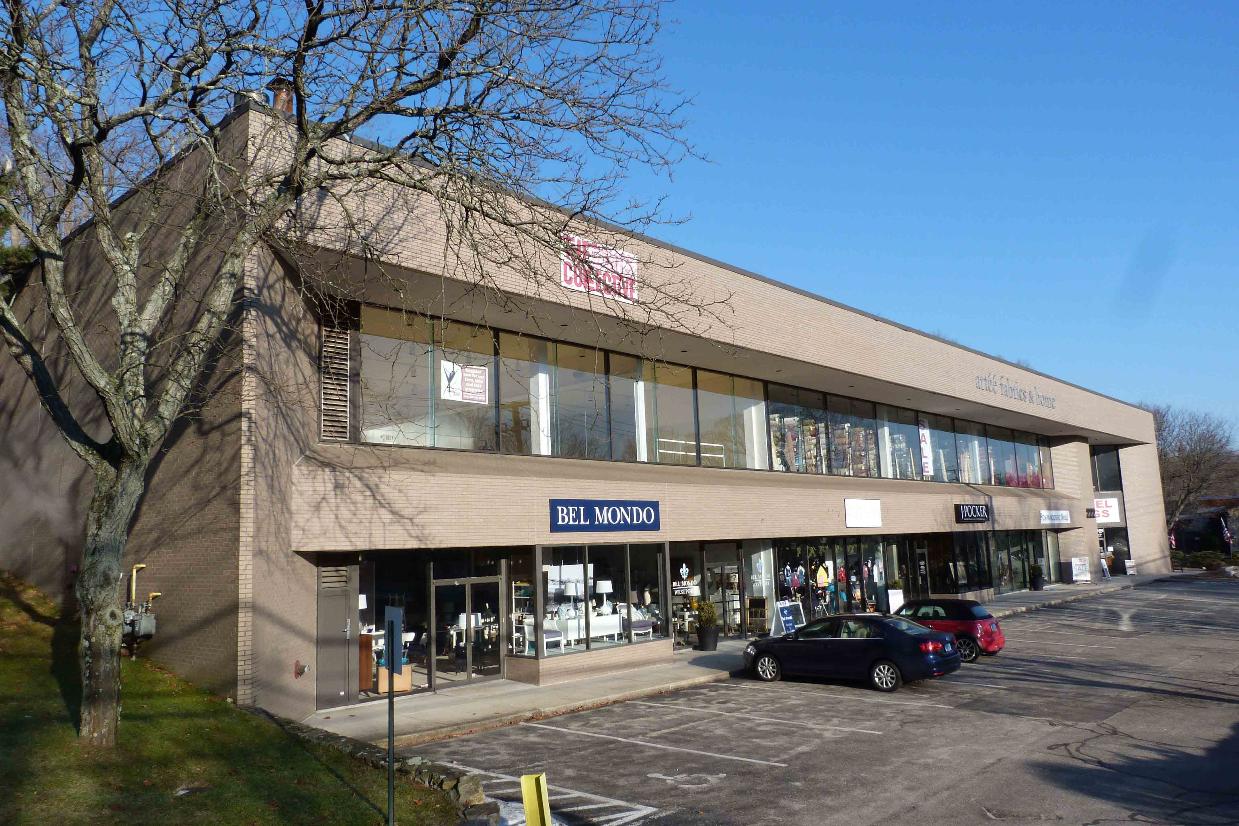 Hk group sells 222 post road west in westport for for Single story commercial building design