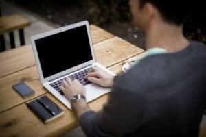 blogging-336376_1920