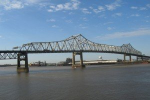 mississippi-river-bridge-170332_1920