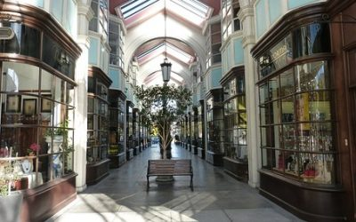 shopping-arcade-1214815__340-400x250