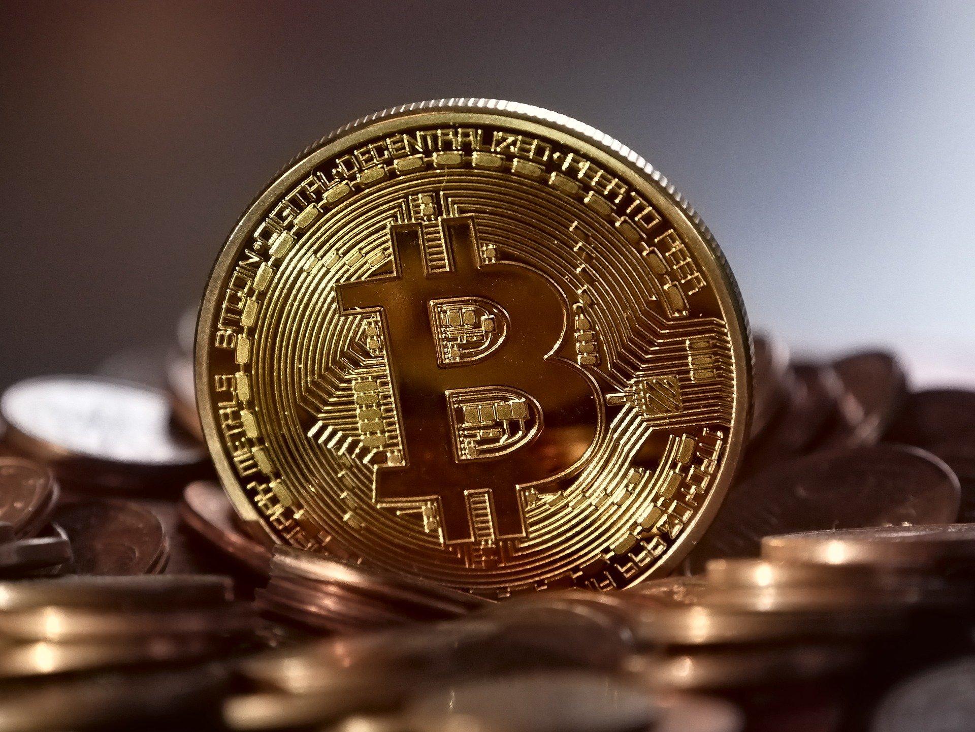 bitcoin-2008262_1920.jpg